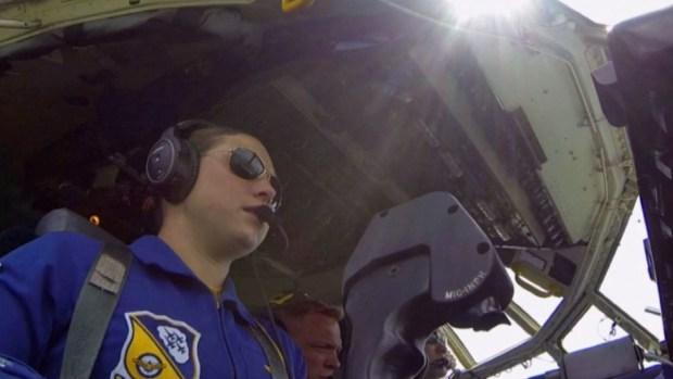 Primer mujer piloto de los Blue Angels