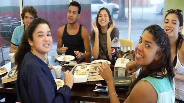 Video: Pizza gratis convoca multitud