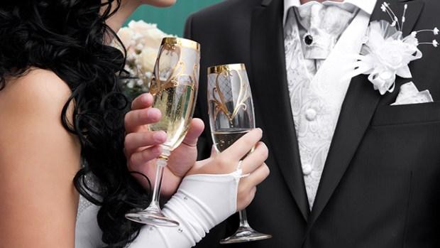Video: Hoy, 11/12/13 hay locura por casarse