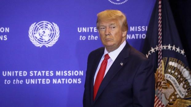Trump se defiende en conferencia de prensa