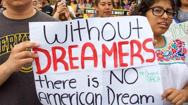 [TLMD - LV] Negociación por el muro incluyó a los 'Dreamers'
