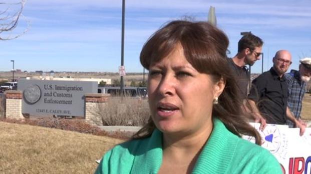 Comunidad aboga por padres que enfrentan la deportación