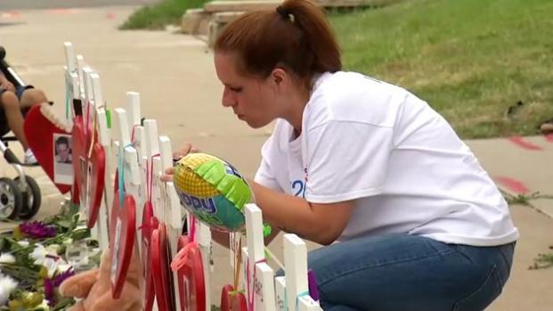 Buscan crear jardín para víctimas de tiroteo