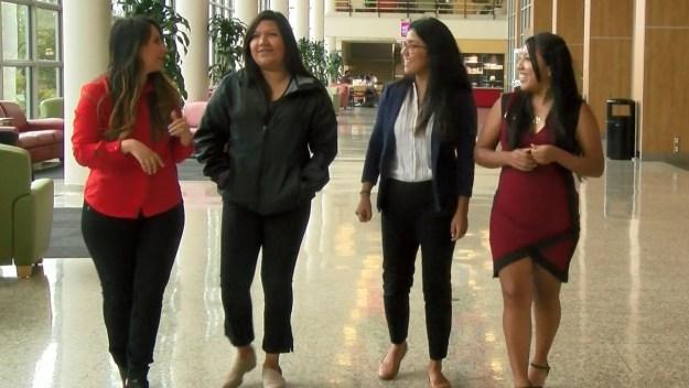 La Universidad de Utah entrega 18 becas a hispanos