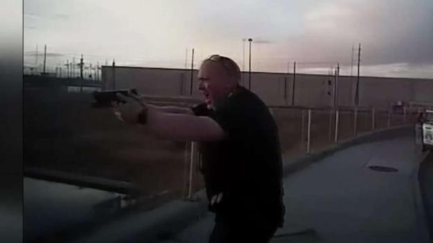 Conozca qué siente medicamente un policía al jalar el gatillo