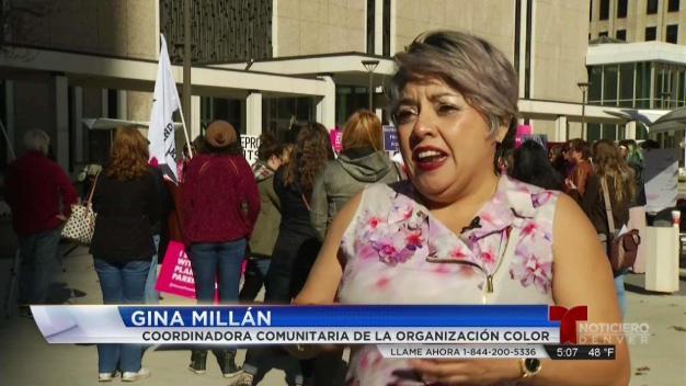 Líderes comunitarios protestan por anticonceptivos