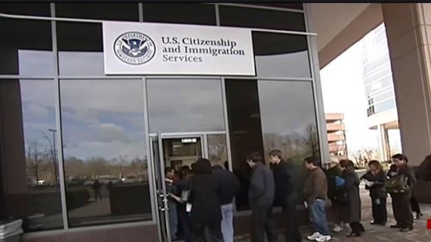 Nueva política para inmigrantes en procesos migratorios