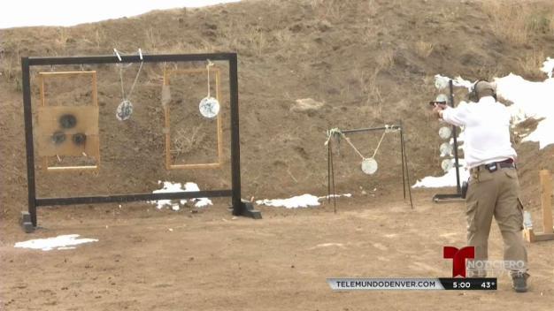 ¿Qué tan fácil es comprar un arma de fuego en Colorado?