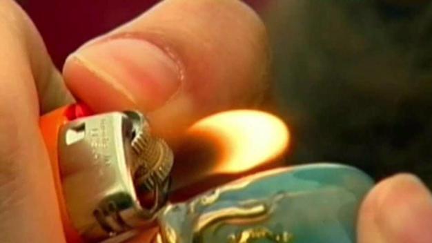 Se reducen muertes por opiodes tras legalización