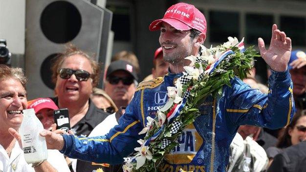 Debutante Alexander Rossi vence en la centésima Indy 500