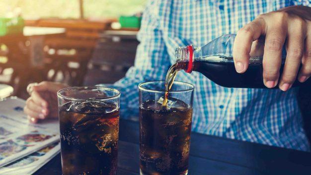 Estudios: quiénes consumen más sodas en el mundo