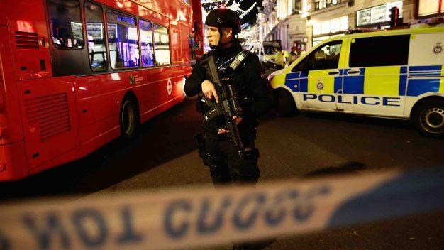 Londres: no hallan evidencia de tiroteo en el metro