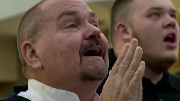 ¿Milagro o coincidencia? Pastor sufre paro cardíaco durante sermón