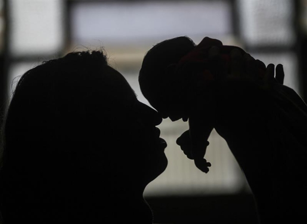 EEUU: Mujer que tuvo Zika da a luz bebé con microcefalia