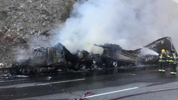 Incendio de trailer en I-70 provoca cierres la tarde del domingo