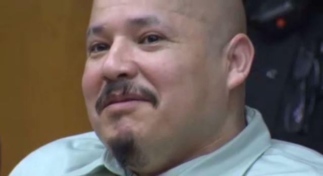 """[TLMD - NATL] """"Escaparé y mataré a más"""" dice riendo acusado de matar a policías"""