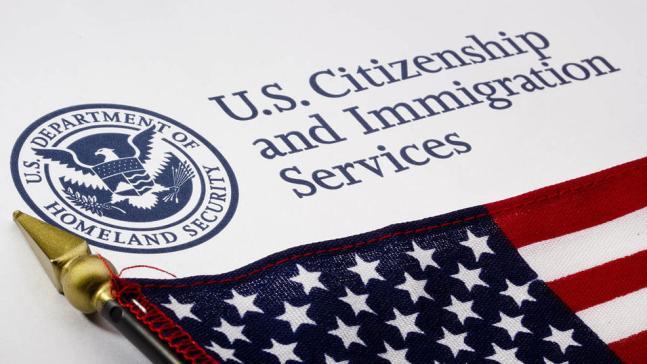 USCIS tiene más de 100,000 casos pendientes de DACA