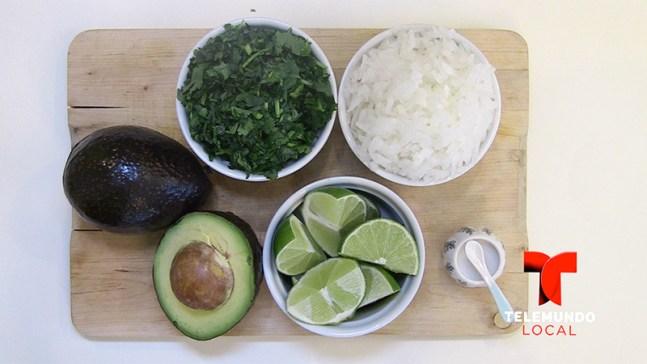 Cómo hacer guacamole rápido, fácil y delicioso este Día Nacional del Aguacate