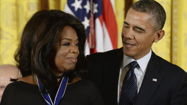 Barack Obama y Oprah Winfrey viajarían juntos a Kenia