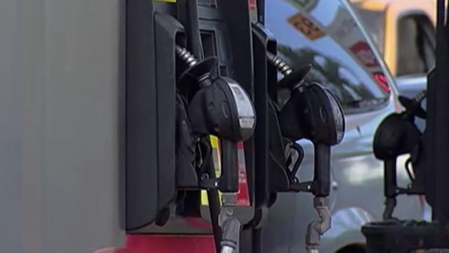 Caen los precios de la gasolina en Denver