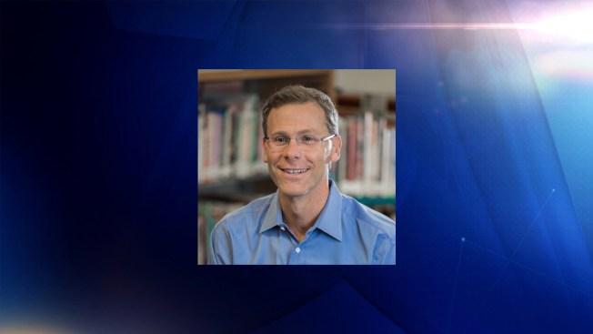 Jefe del distrito escolar de Denver se retira de su cargo