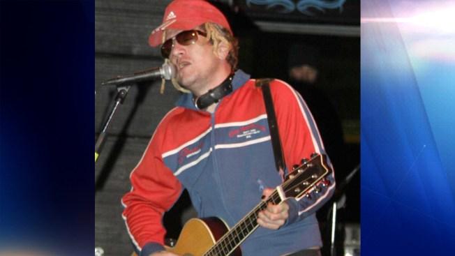 Rockero prófugo confiesa asesinato y se entrega