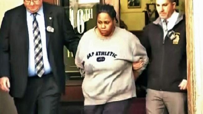 Condenan a madre que lanzó a bebé desde sexto piso