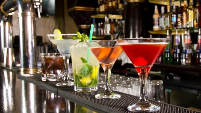 Dos universitarias hospitalizadas por consumir bebidas adulteradas
