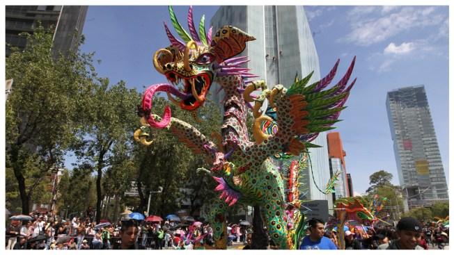 Un desfile fantástico de 231 alebrijes reúne a miles