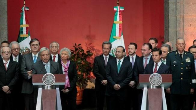 """Con """"respeto"""", Peña y AMLO discrepan por reforma educativa"""