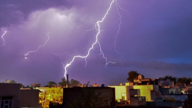 Rayos asesinos: decenas mueren durante tormentas eléctricas en India