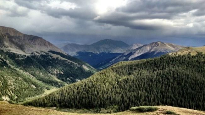 Deslave forma peligroso lago en Colorado