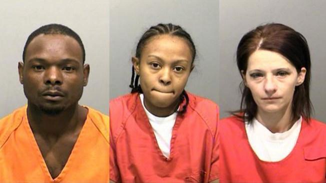 Arrestan a tres por prostituir a menor