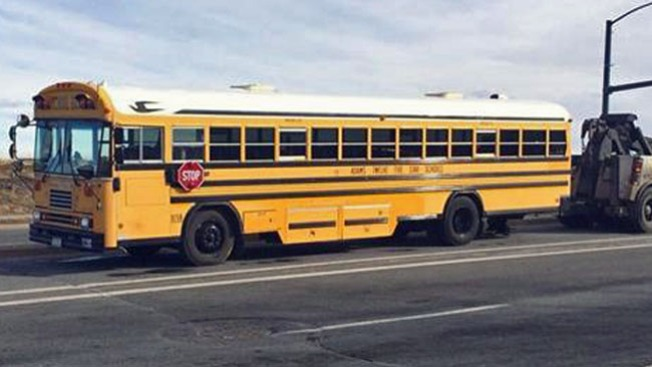 Bus escolar atropella a un anciano