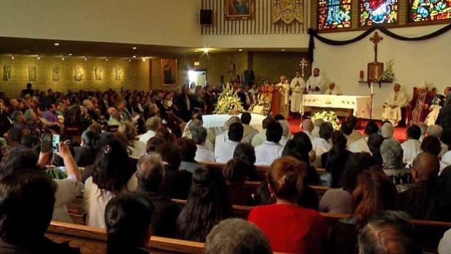 Misa para párroco une a comunidad
