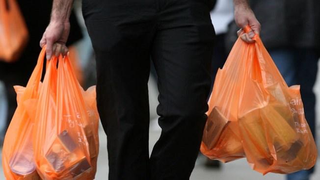 Dilemas ecológicos: ¿papel o plástico?