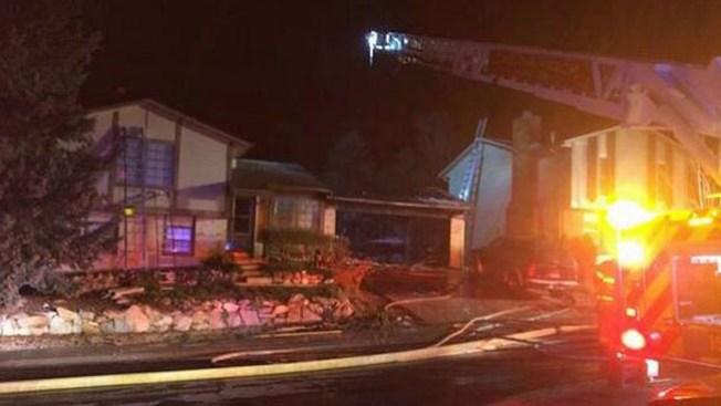 Operador rescata a familia de incendio