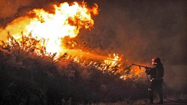 Fuegos azotan a Colorado