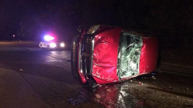 Conductor abandona auto destrozado