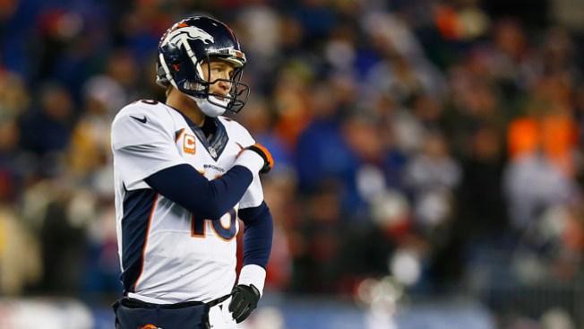 Duelo Brady-Manning termina en paliza