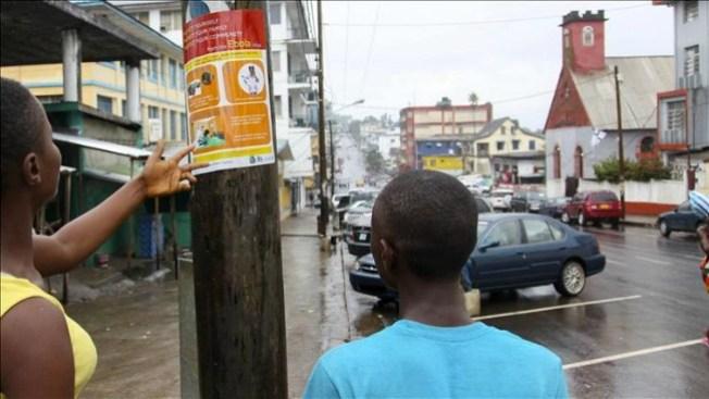 Muertos por el ébola dejados en la calle
