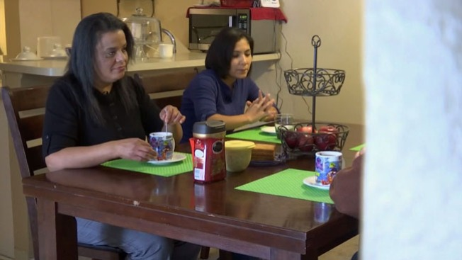 Familia aliviada por plan de Obama
