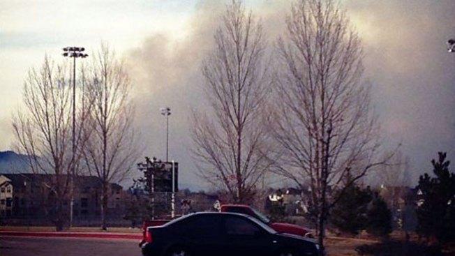 Evacúan por fuegos en Soldier Canyon