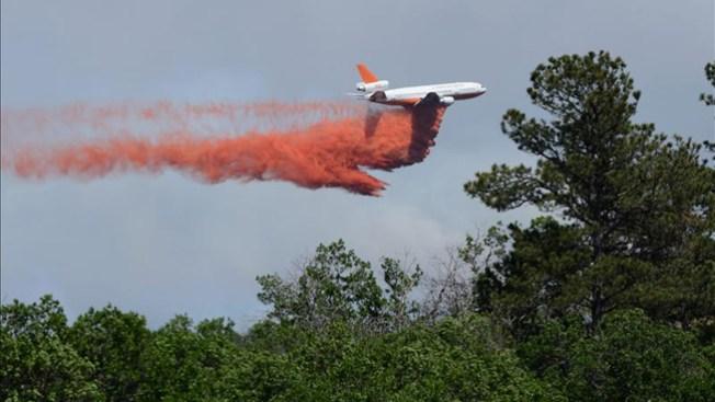 Miles de evacuados por incendios