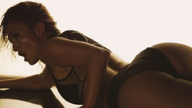 Jennifer López: sexy y apretada diabla