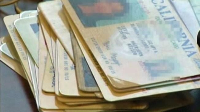 DMV anuncia el costo de licencias