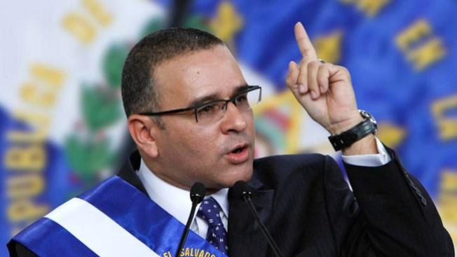 El Salvador: piden a Interpol emita difusión roja para Funes