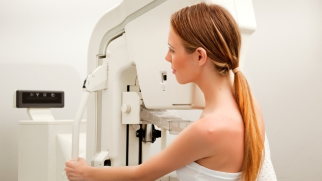 Clínica móvil ofrece mamografías
