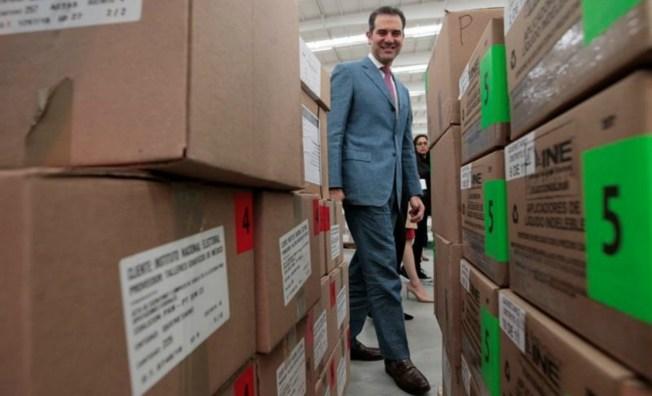 Extreman seguridad en traslado de paquetes electorales