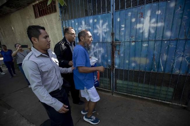 Nicaragua: Gobierno libera presos ante inicio de diálogo